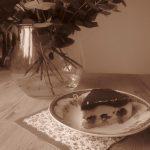 Bringebærkake med hvit og mørk sjokolade