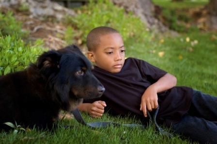 Barn og dyr. Foto: HSUS
