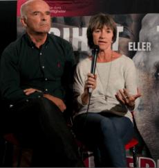 Elefantekspertene Joyce Poole og Petter Granli svarte på spørsmål fra salen. Foto: Vanja Tallerud