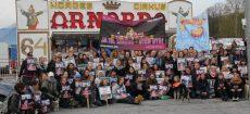 NOAHs demonstrasjon utenfor sirkus Arnardo, med rekordoppmøte på 120 mennesker.
